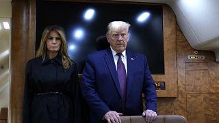 Covid-19'a yakalanan ABD Başkanı Donald Trump'ın hafif belirtiler gösterdiğini ancak hala görevinin başında olduğunu açıklandı.