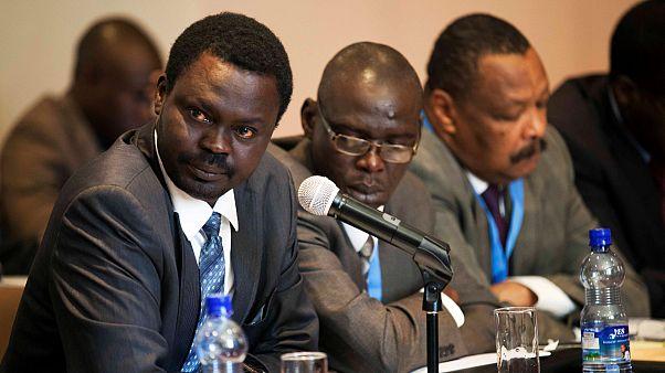 ميني أركوي ميناوي زعيم حركة تحرير السودان (يسار)