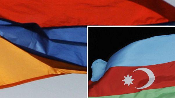 Ermenistan ve Azerbaycan bayrakları
