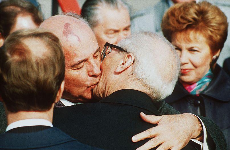 BORIS YURCHENKO/AP1989