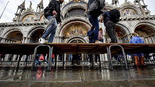 Благодаря системе дамб удалось избежать наводнения в Венеции
