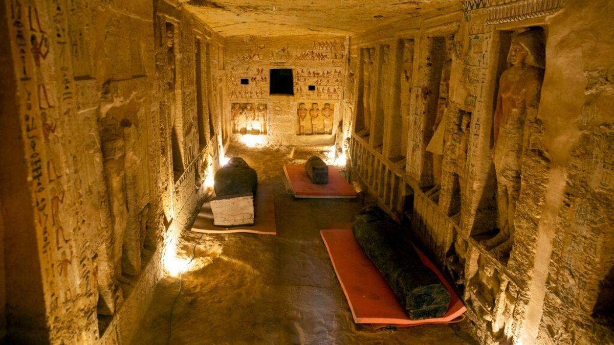 érintetlen szarkofágokat találtak Egyiptomban