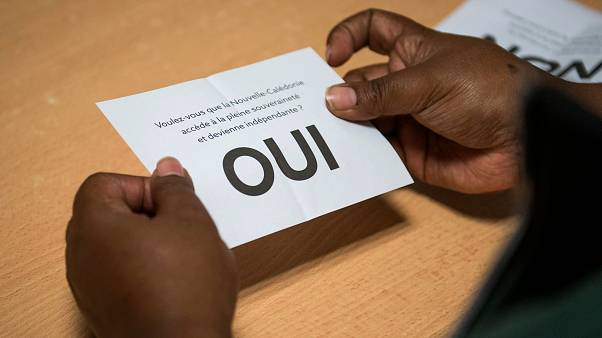 """Mais de 53% votaram pelo """"sim"""" à soberania de França na Nova Caledónia"""
