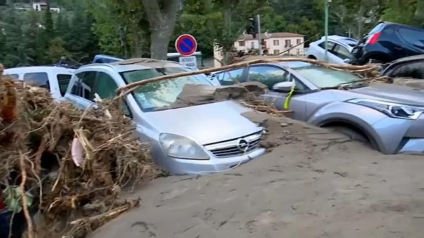 تسببت الفيضانات بأضرار مادية ضخمة جداً