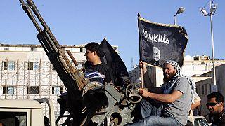 مقاتلون تابعون لتنظيم الدولة الإسلامية
