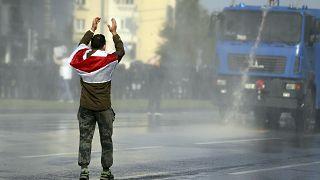Belarus'ta bir gösterici (arşiv)