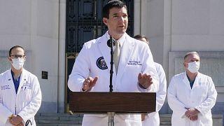 Donald Trump'ın doktoru Sean Conley