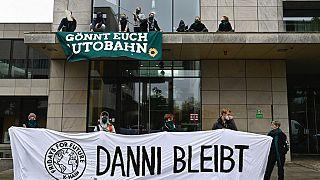 Protest vor der hessischen Landesvertretung in Berlin