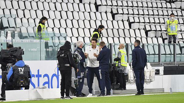 Covid-19 faz Nápoles perder com Juventus por falta de comparência
