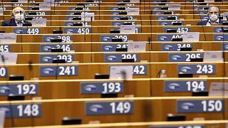 نواب البرلمان الأوروبي خلال جلسة عامة في البرلمان في بروكسل/ الأربعاء 7 أكتوبر 2020