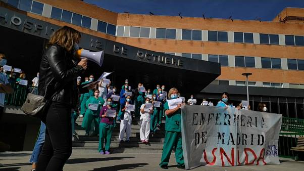 Arbeiten am Limit: Krankenschwestern protestieren in Madrid