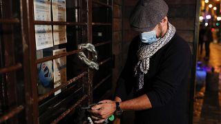 Kneipenbesitzer schließt sein Geschäft