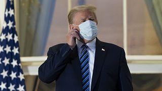 ABD Başkanı Donald Trump, hastanede gördüğü koronavirüs tedavisinin ardından Beyaz Saray'a döndü