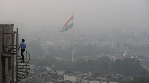 دخان وغبار يلف سماء العاصمة الهندية نيودلهي. 2019/11/01