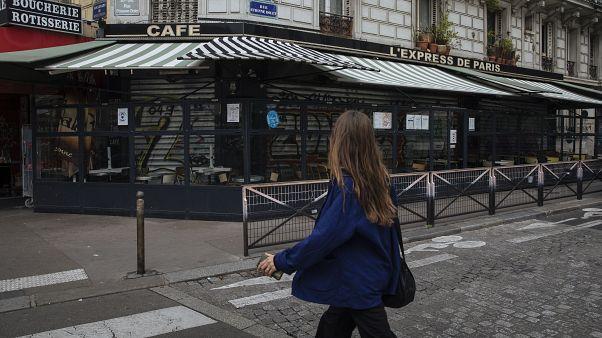 Un café fermé à Paris suite aux restrictions sanitaires, le 6 octobre 2020