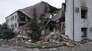 یک ساختمان مسکونی تخریب شده در استپانکرت در جریان جنگ میان آذربایجان و ارمنستان