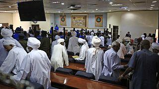 Les avocats d'El-Béchir quittent le procès