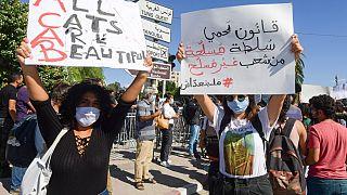 """Mobilisation contre un projet de loi  """"protégeant"""" les forces armées"""