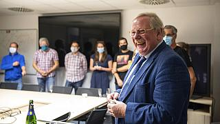 Astrophysiker Reinhard Genzel mit seinen StudentInnen in Garching