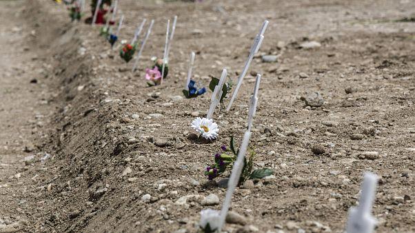 Cemitério de fetos identifica mães