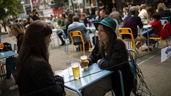 """Archives : la terrasses du """"Bar du Matin"""" à Bruxelles, le 10 juin 2020."""