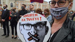 Верховенство права: Еврокомиссия критикует Польшу