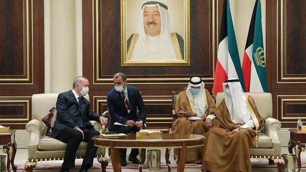 إردوغان خلال تقديم تعازيه لأمير الكويت