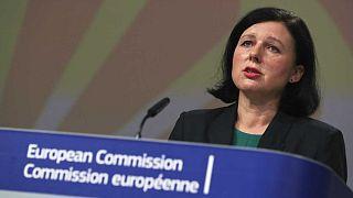 Il Commissario Europeo per la Trasparenza e i Valori UE, Vera Jourova, presenta il quadro europeo sulle strategie di uguaglianza e inclusione dei Rom in conferenza stampa
