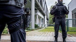 أحد أفراد الشرطة الألمانية