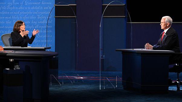 Diskussion zwischen Pence und Harris