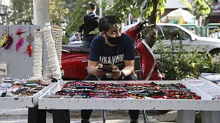جوان دستفروش در تهران