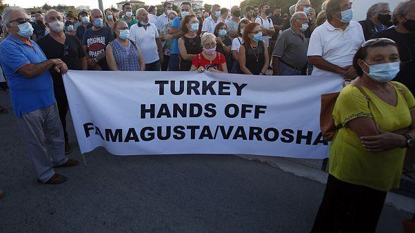 Διαδήλωση για το άνογμα των Βαροσίων