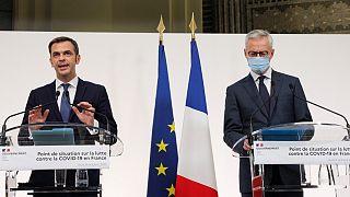 Le ministre de la Santé, Olivier Véran, et le ministre de l'Economie, Bruno Le Maire, font le point sur les restrictions imposées en France, le 8 octobre 2020