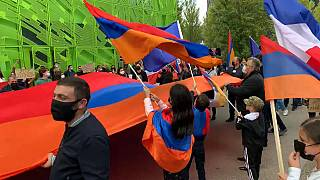 Gli attivisti armeni scendono in piazza a Lione. Sit-in davanti alla sede della Tv euronews