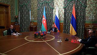 Azerbaycan ve Ermenistan dışişleri bakanları Moskova'da buluştu