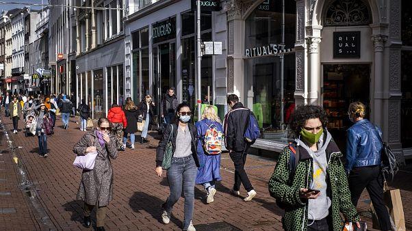 Rua de comércio em Amesterdão