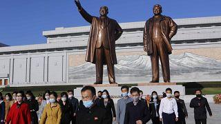 Βόρεια Κορέα: Παρουσίασε νέο πύραυλο στη διάρκεια παρέλασης