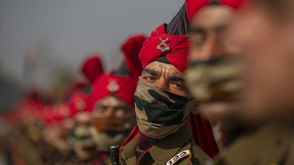جنود في الهند خلال استعراض عسكري
