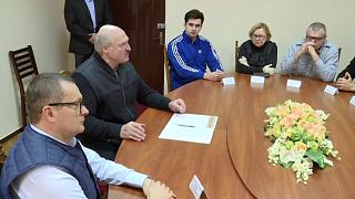 Bielorussia: per allentare il fiato sul collo, Lukashenko libererà i detenuti politici?