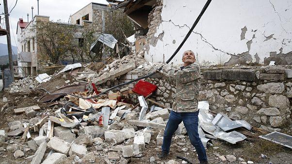 Quebrado cessar-fogo em Nagorno Karabach