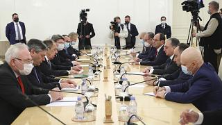 Sergei Lavrov recebe homólogo arménio em Moscovo