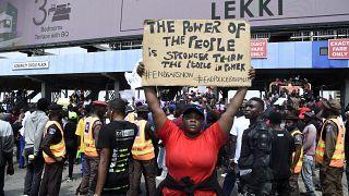 La mobilisation contre la SARS ne faiblit pas