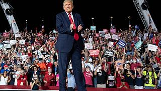 Trump regressa à campanha eleitoral