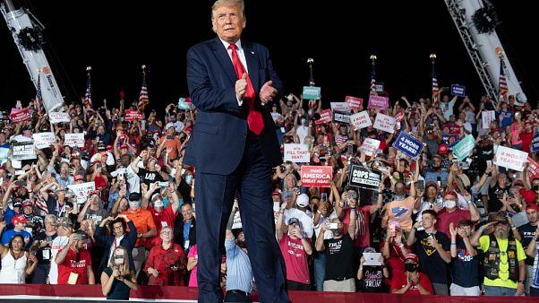 """Trumps Comeback auf der Wahlkampfbühne: """"Ich könnte alle küssen"""""""