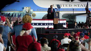 أقيم التجمع الانتخابي في مطار أورلاندو سانفورد في فلوريدا