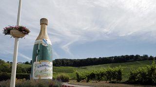 Champagner Werbung am Straßenrand