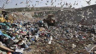 Una foto de 2018 del vertedero de Fyli cerca de Atenas. Grecia es uno de los países europeos con menor índice de reciclaje de plástico.