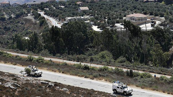 İsrail Lübnan sınırında devriye gezen BM Geçici Görev Gücü'ne (UNIFIL) bağlı askerler (arşiv)