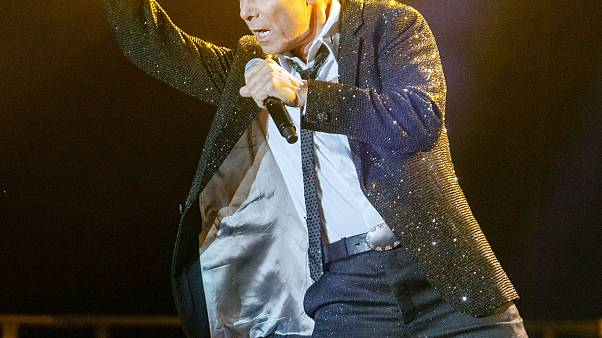 Auguri a Cliff Richard, icona della musica pop britannica