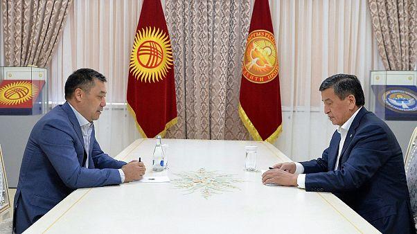 Kırgızistan'da 4 Ekim'de yapılan parlamento seçim sonuçlarının iptalini talep eden muhalefet partileri gösteri düzenlemişti